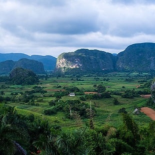 Viñales_Valley.jpg