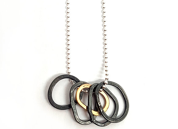 Tiny Loops Pendant - black and gold