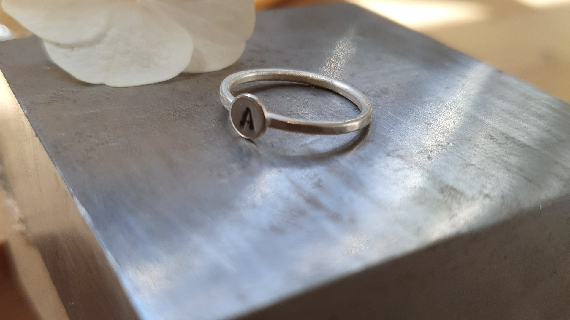 monograph ring on bench block