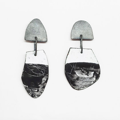 Irregular  Arch and Drop Edge Earring