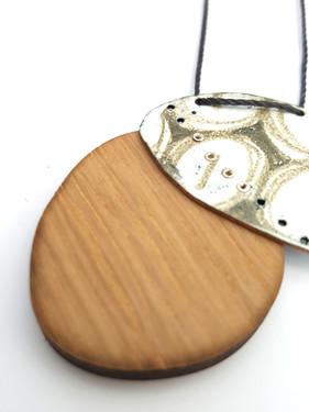 oak and eye pendant 003.jpg