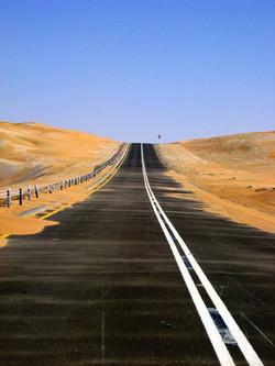 Liwa-a-2007152_sand-straight-road.jpg