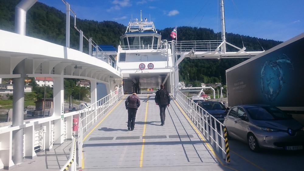 pe feribot de la Lavik