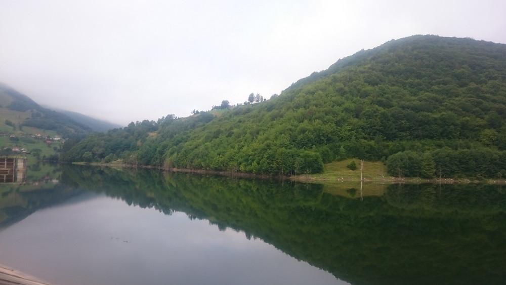 Lac pe Aries langa Campeni