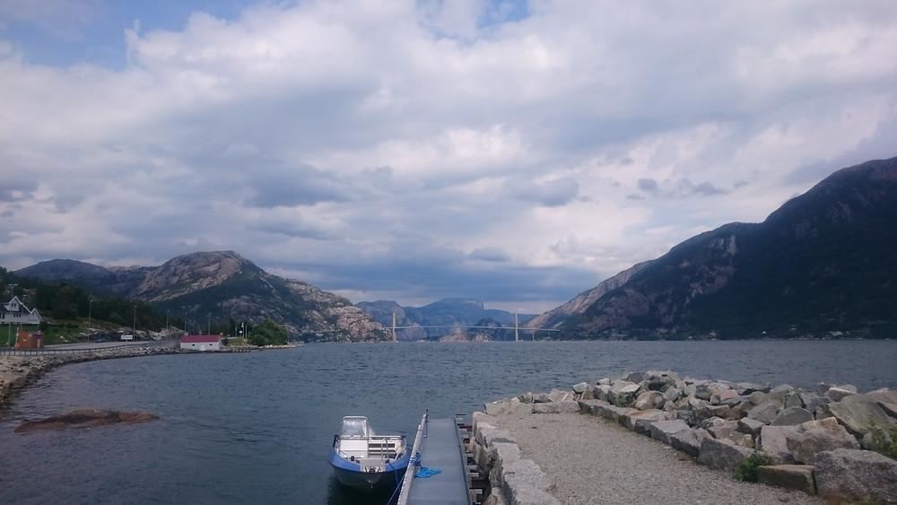 pod la intrarea in fiordul Lyse