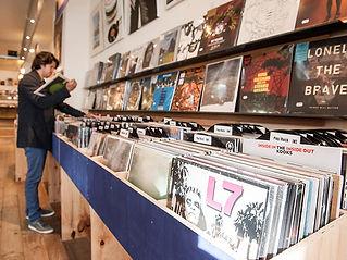 Sounds-013-straatjes-Recordstore-Tilburg