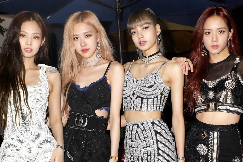 韓国アイドル くびれ
