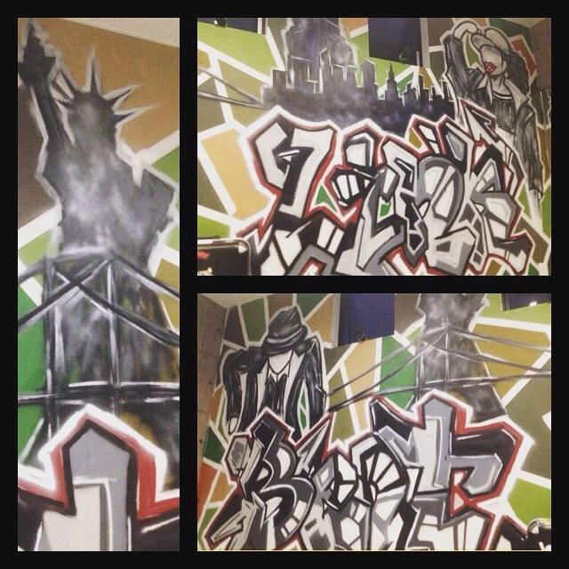 先日ピッカピカの新築のスタジオにグラフィティをかいたダンススタジオが本日プレオープンを迎えました!__#おめでとうございます #graffiti#streetart#graffitiart#art#n