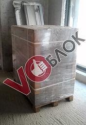 Поддон блоков VOблок 20х30х60 на строительной площадке