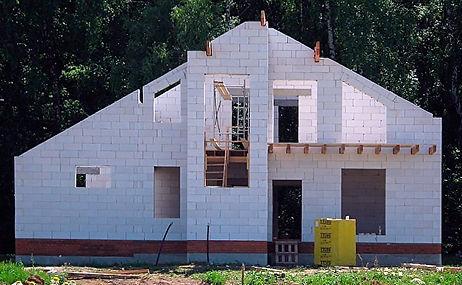 Разбираем плюсы и минусы дома из газосиликатных блоков