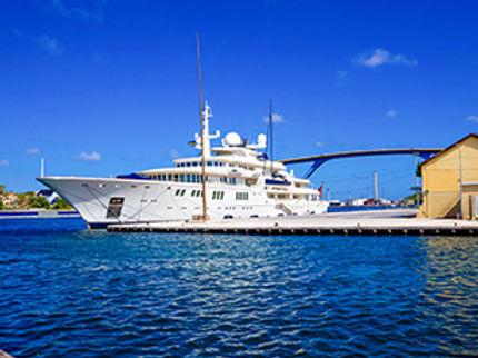 curacao_yachting_industry.jpg