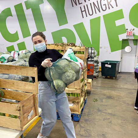 17 Unique Ways To Give  Back In A Pandemic During The Holiday Season