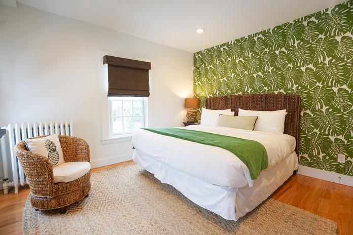 room-three-the-newport-inn-2021--24.jpg