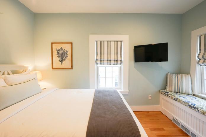 room-five-the-newport-inn-2021--11.jpg