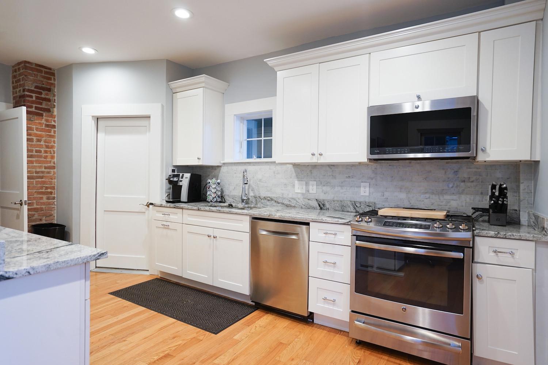 kitchen-the-newport-inn-2021--2.jpg