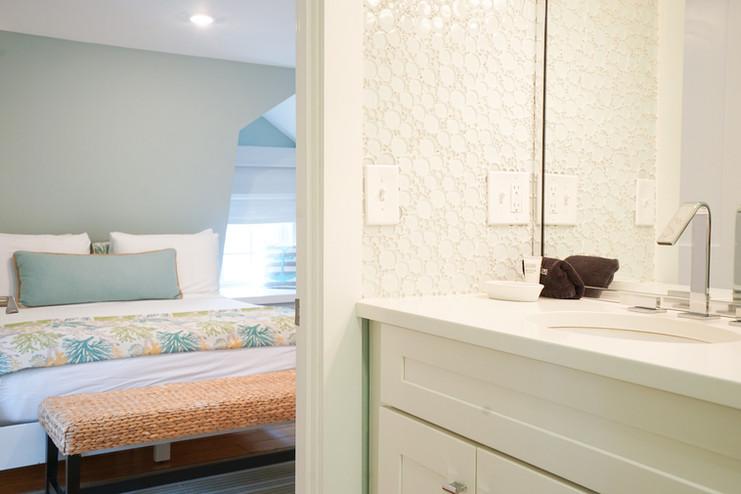 room-six-the-newport-inn-2021--07.jpg