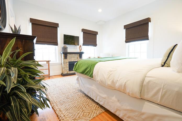 room-three-the-newport-inn-2021--25.jpg
