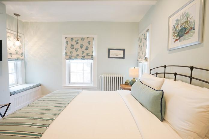 room-four-the-newport-inn-2021--10.jpg