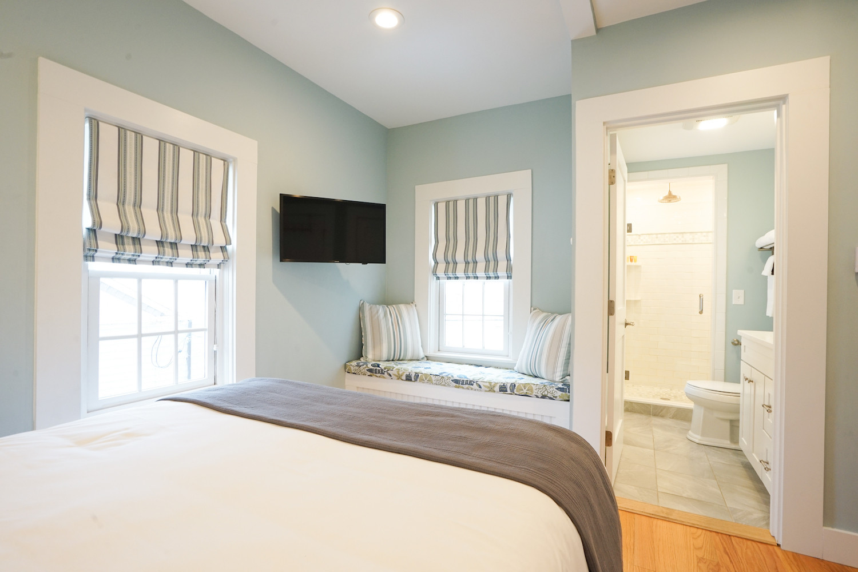 room-five-the-newport-inn-2021--10.jpg