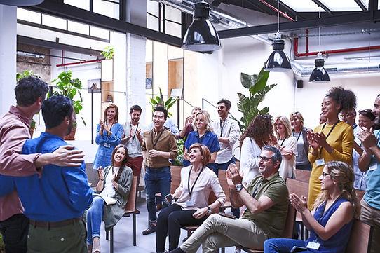 Business People Applauding_edited.jpg