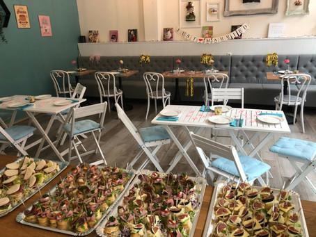 Feiern im Café amorebelle