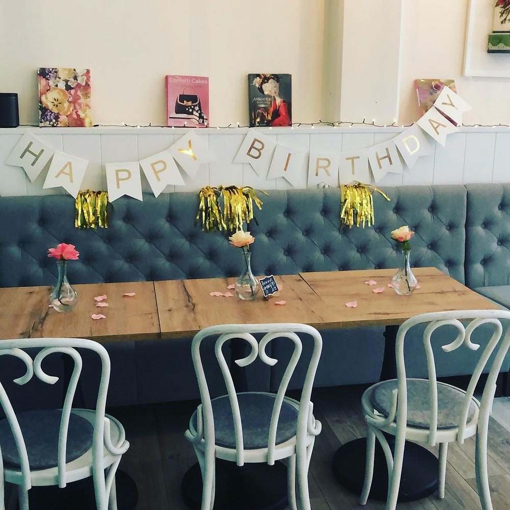 Hochzeit im Café amorebelle