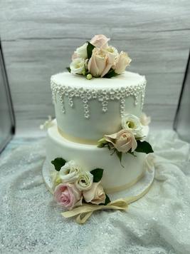 Vintage Rose Dream Wedding Cake