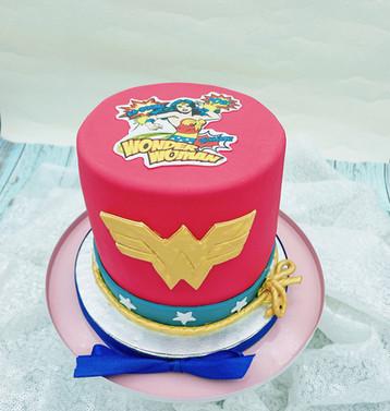 Wonder Woman Torte