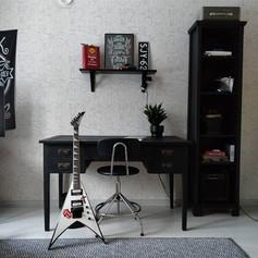 Teinipojan huone