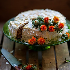 Carrotcake with goat cheese & honey frosting