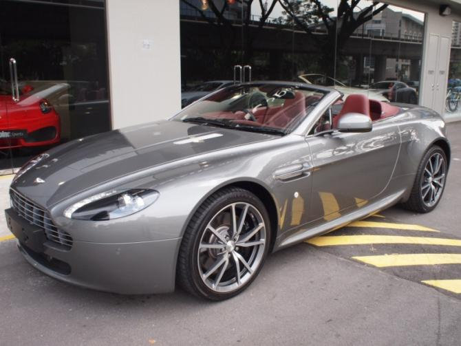 2012 Mar Aston Martin V8 Vantage Roadster