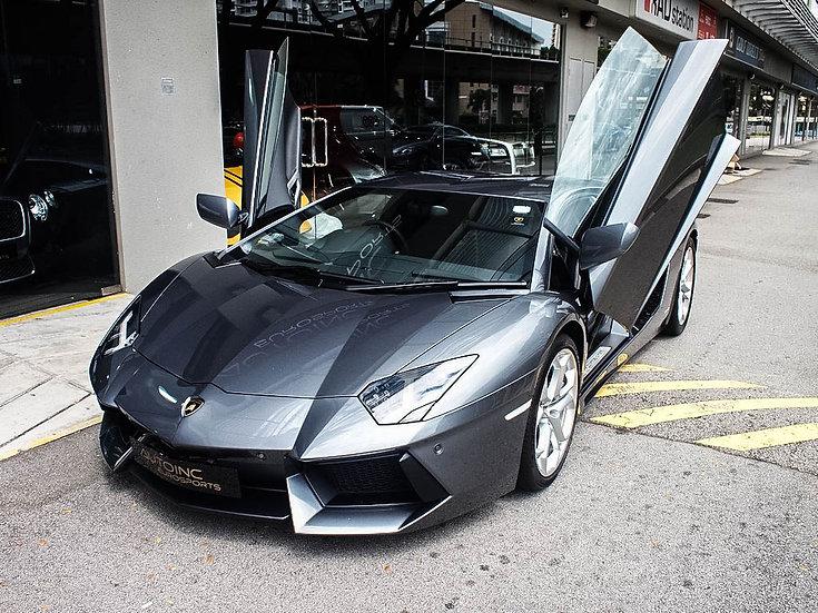 2012 Feb Lamborghini Aventador
