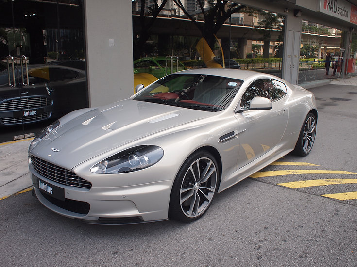 2011 Apr Aston Martin DBS