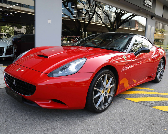 2011 Dec Ferrari California