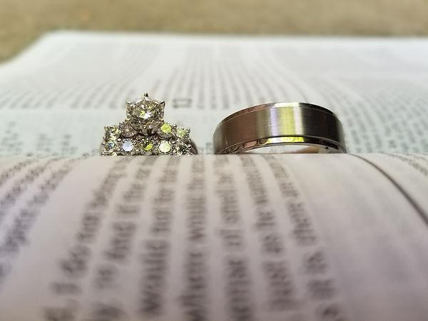 wedding-2501520_1920.jpg