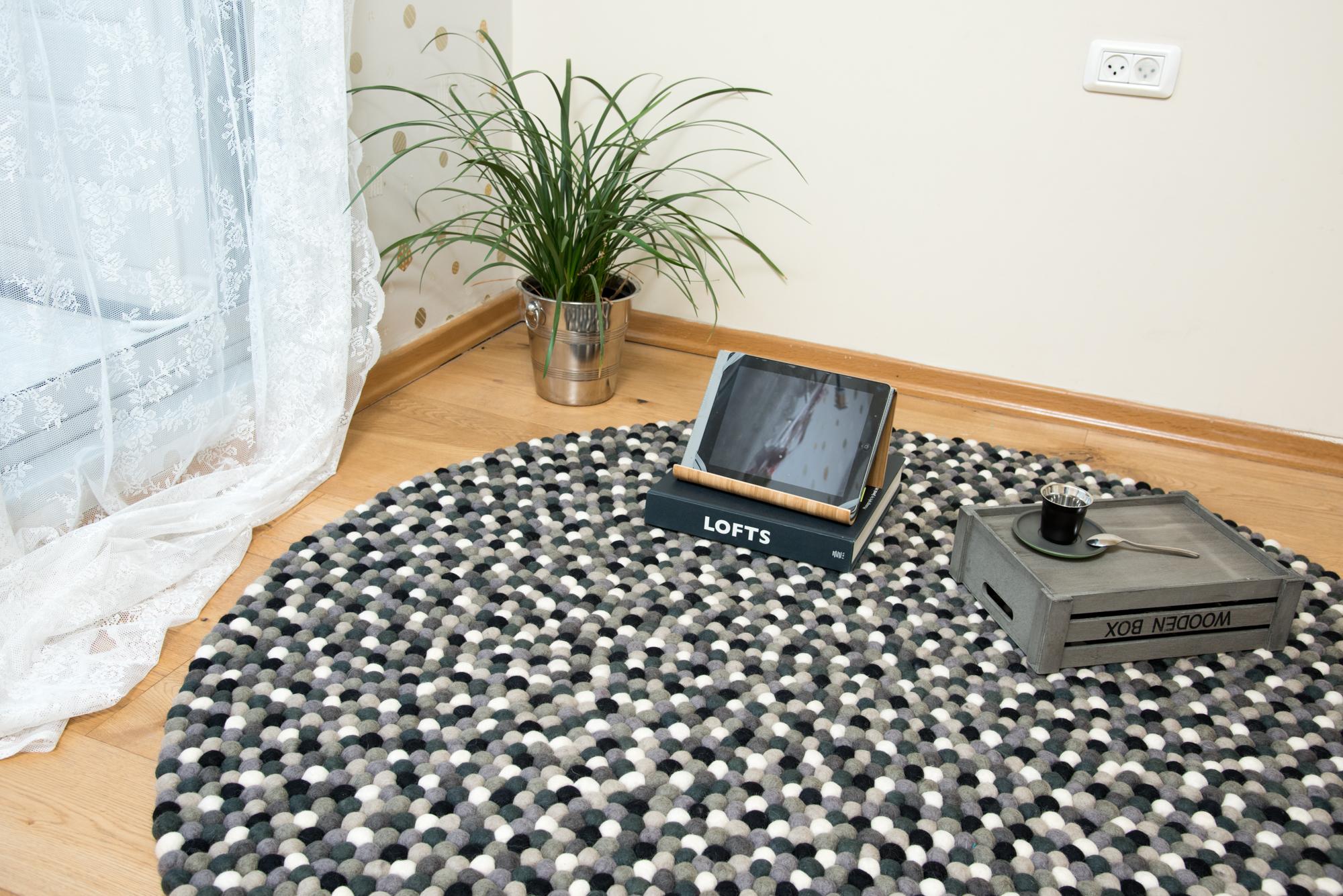 שטיח דגם בטון