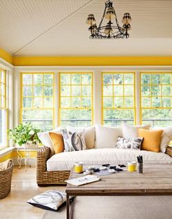 חלונות בצהוב