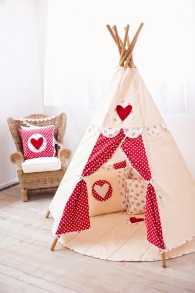 גם הולי הובי צריכה אוהל