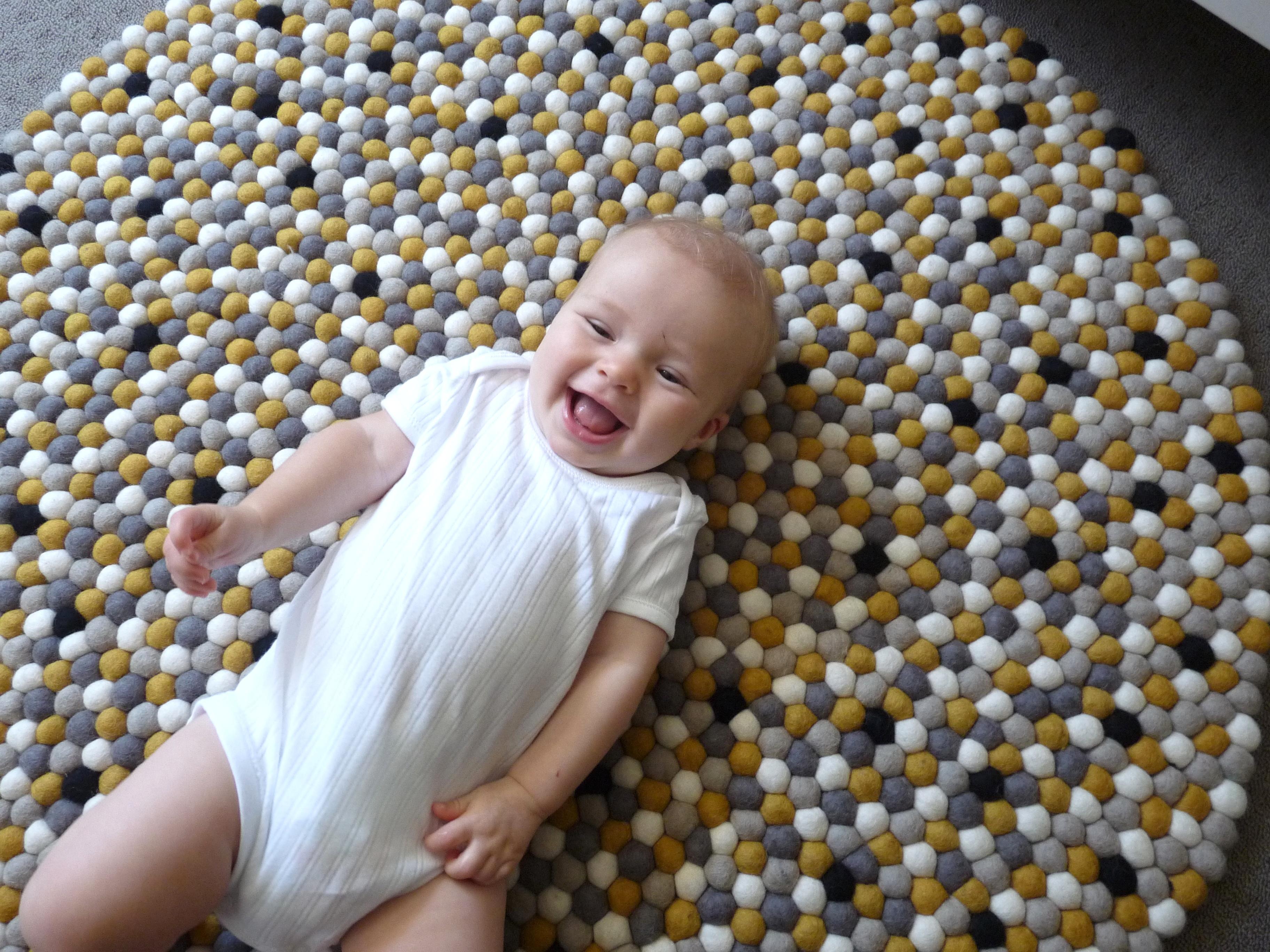 שטיח לתינוקות