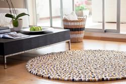 שטיח כדורי צמר