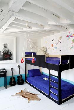 מיטת קומותיים ולופט גדול