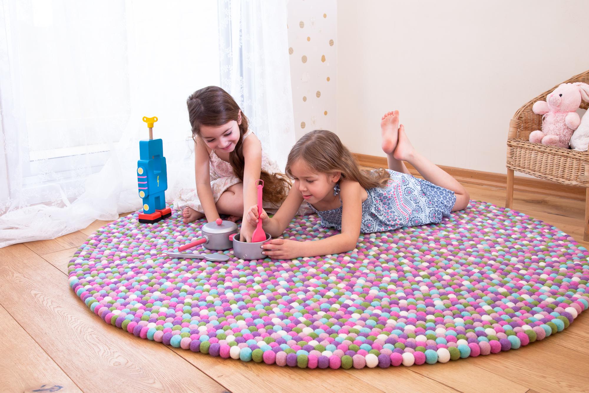 שטיח לחדר בנות