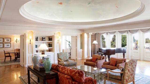 Salon de la suite Sleeping Beauty - Disneyland Hôtel disneyland paris