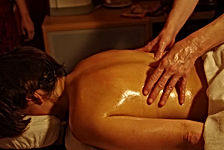 abhyanga-oil-massage-treatment.jpg