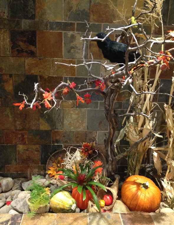 Fall decorations crow2
