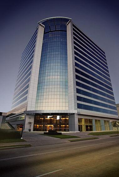 Platinum Tower - Sede Núcleo - Reestruturação e Performance