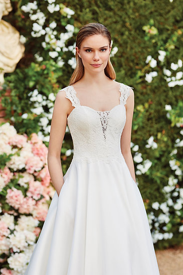 44060 -Sincerity Bridal