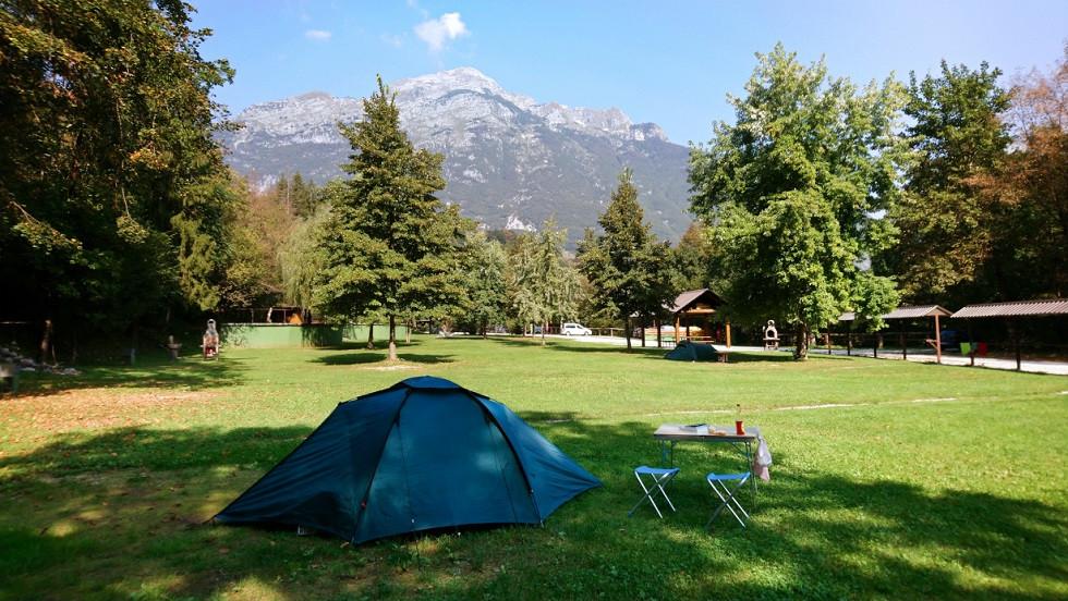 Campingplatz mit Zelt