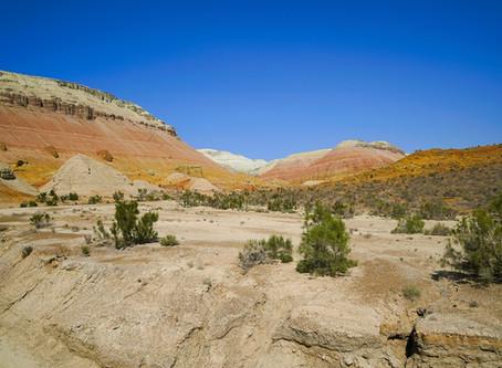 Altyn Emel Nationalpark: Bunte Berge und singende Dünen