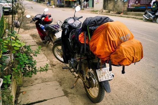 Motorrad mit gepaeck.jpg